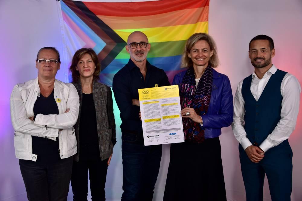 Amgen France signe la Charte d'Engagement LGBT+ de L'Autre Cercle